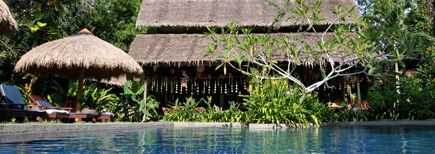 Indien je nog geld over hebt :-) heel mooi.  TigerRock Resort - beach holiday on Island on west coast of Malaysia. Good for families with kids. Around RM 3700 for 2 bedrooms (2 adults and 2 small kids) for 3 nights all-inclusive. About 3-5 hours drive from KL. Activities other than beach and pool possible