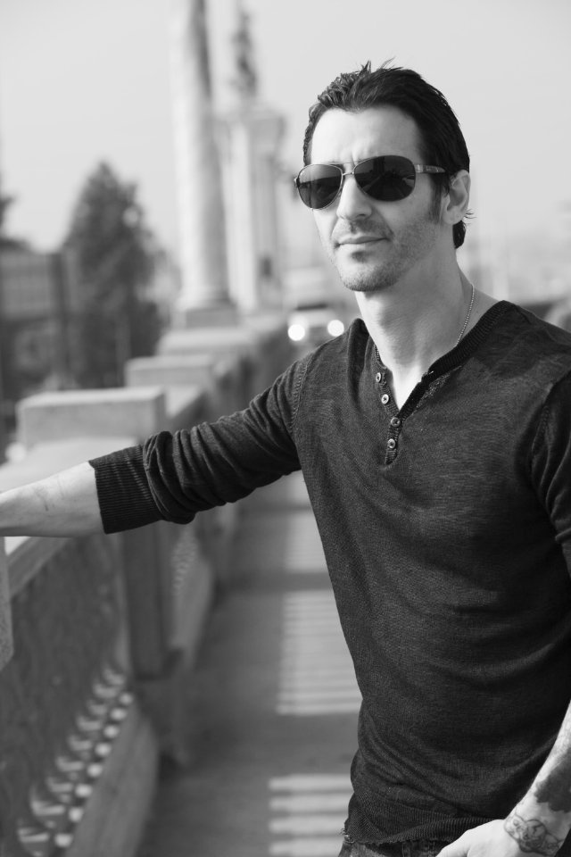 Sully Erna... mmmmm could eat him up!