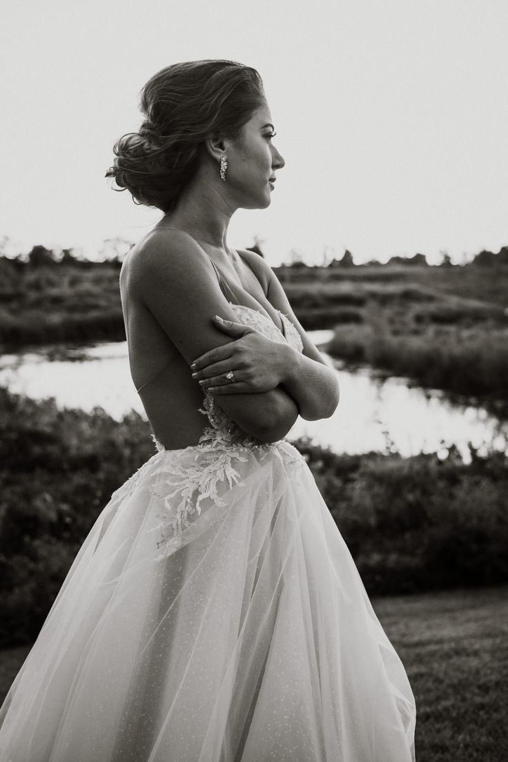 Ines di Santo bride at sunset; PHOTOGRAPHY by Joel + Justyna Bedford, destination wedding photographers