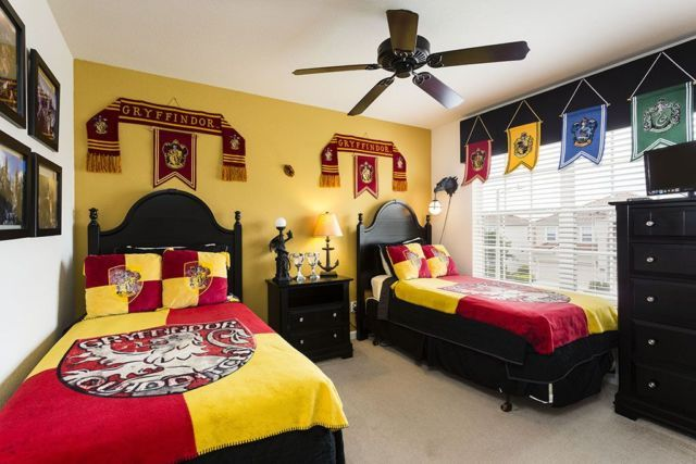 HP Bedroom: 9 'Harry Potter'–Themed Homes You Need to See