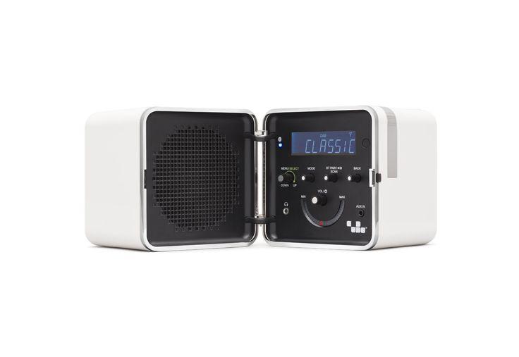 RADIO.CUBO TS522D+ Bianco Neveby Brionvega Collection. #LoudPersonality #bluetooth #dab #remotecontrol #fm #alarmclock #italian #design #radiocubo