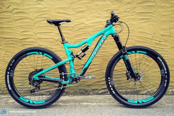 Juliana is the sister company of Santa Cruz Bicycles, so if you are looking at this bike and thinking 'Bronson' then you'd be right!