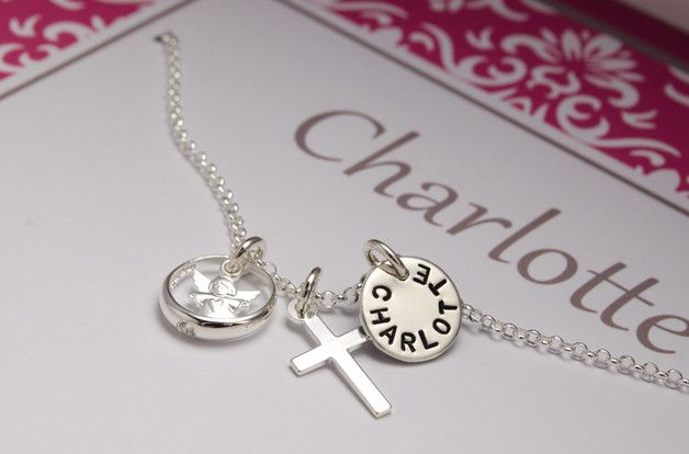 ♥ Wunderschöne Taufkette aus 925 Sterling Silber mit Wunschnamen, Taufring, kleinem Engelchen und Kreuz-Anhänger. Gib Deinem Patenkind mit diesem Andenken an die Taufe einen einmaligen...