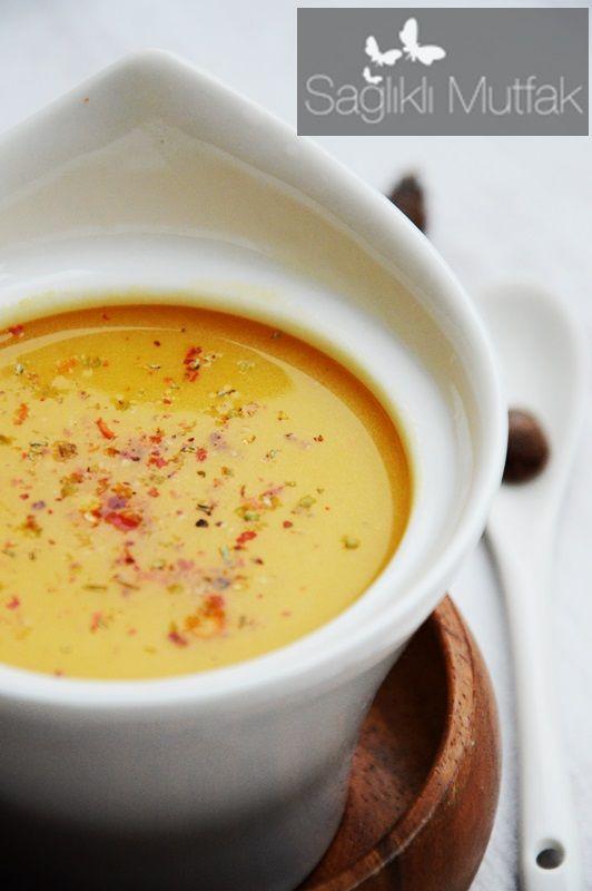 Zerdeçallı muskatlı bal kabağı çorbası