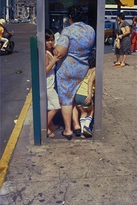 One of her best! Helen Levitt photographs. Helen Levitt photography, famous street photographers.