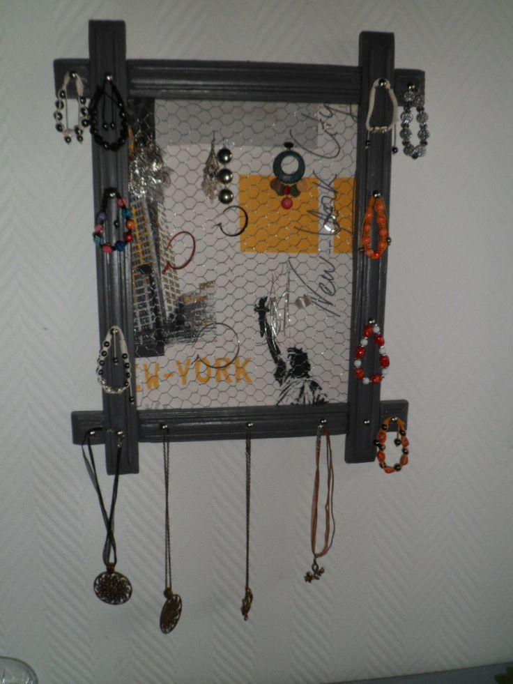 cadre pr sentoir porte bijoux patine gris galet et. Black Bedroom Furniture Sets. Home Design Ideas