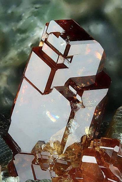Hessonite Garnet - #pixiecrystals: of extremely  high lustre and reflectivity, and large, faceted form.  Exquisite.