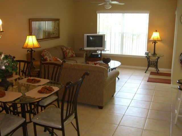 4 Bedroom 3 Full Bath Townhouse Near Disney