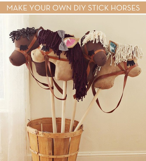 DIY Stick Horse. OMG these are so cute! |Pinned from PinTo for iPad|