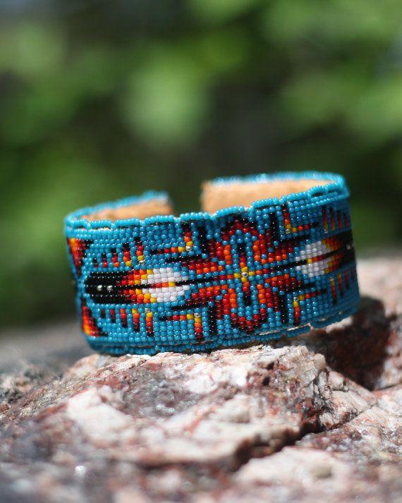 Bracelet fait main perlés d'amérindiennes par WanbliHotaBeadwork