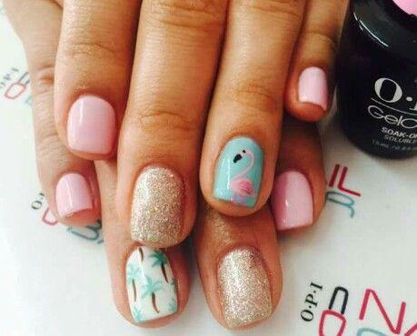 Super cute mix and match flamingo nails #nailbarCR