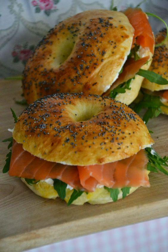 La Cucina di Stagione: Bagel al salmone affumicato, cream cheese e rucola: