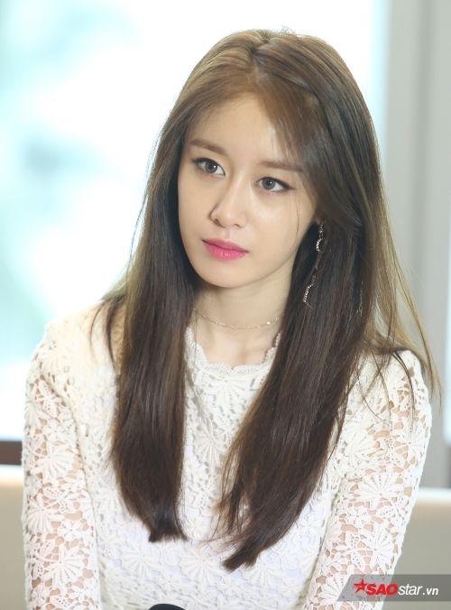 Saostar đã có cuộc phỏng vấn độc quyền với T-ara chỉ ít giờ trước khi concert tối nay bắt đầu.
