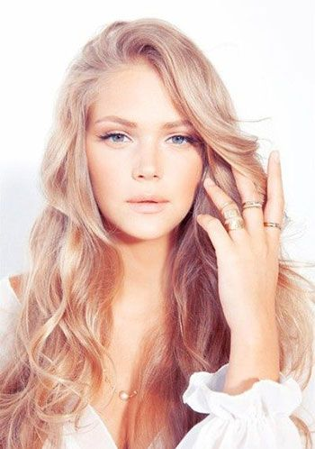 blonde-hair-color-trends - Strawberry and Champagne highlights