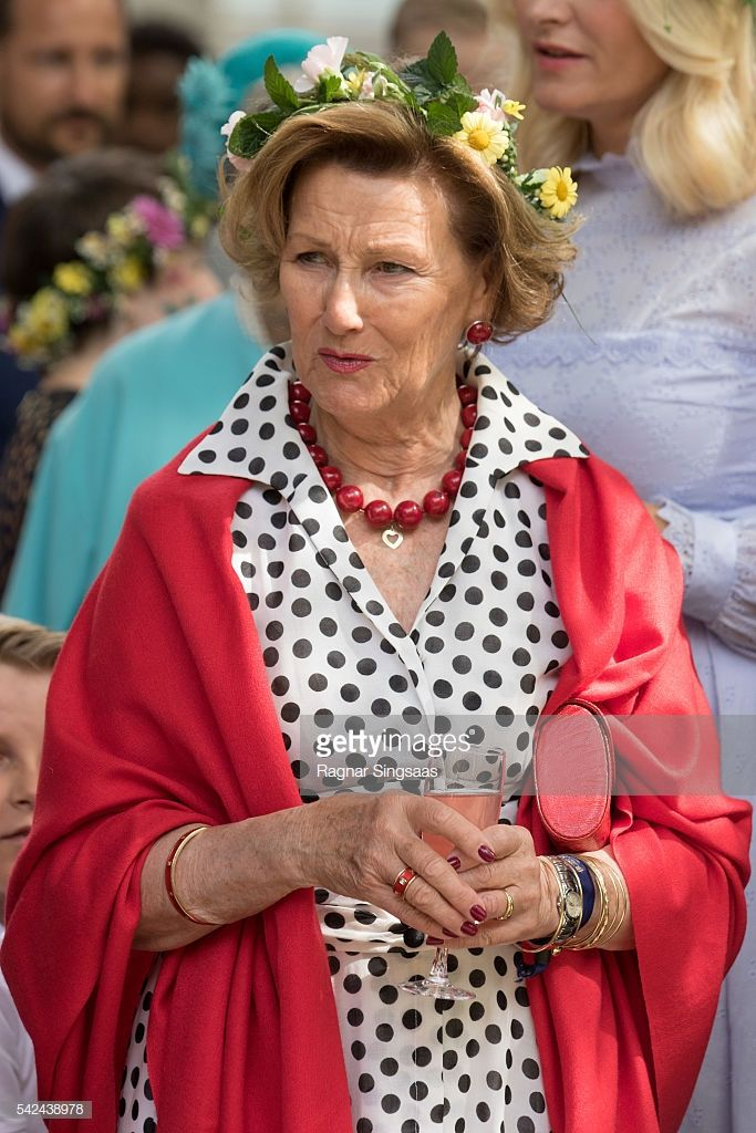 Queen Sonja Of Norway Attends A Garden Party During The Royal Silver Norwegian Royalty Royal Royal Family