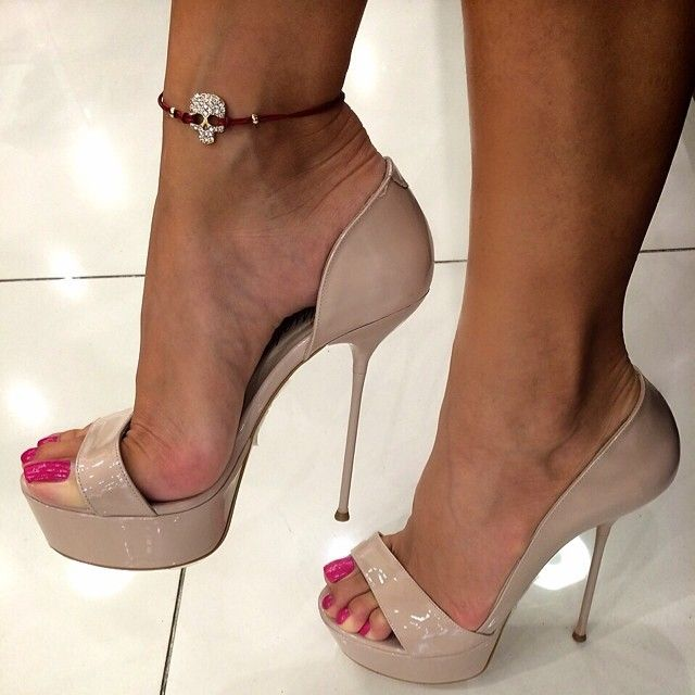 17 Best images about Bare Female Feet in High Heel Shoes ...