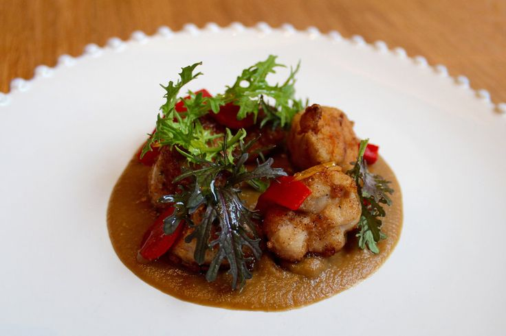 Chef George Mendes reboots the menu at his Iberian-inspired restaurant to include dishes like veal sweetbreads with piquillo pepper and sunchoke.