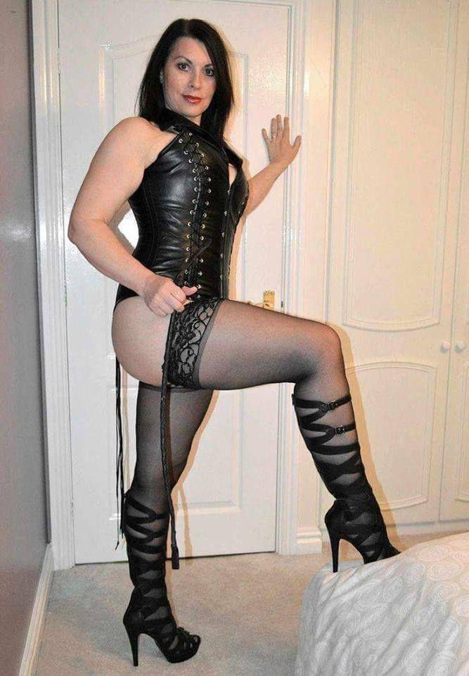 Lewd Mistress Irony ist wirklich chaotisch Essen Fetisch Lesben Sexspiele