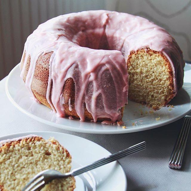 Classic Sour Cream #Bundt #Cake updated w/ a beautiful Blood #Orange ...