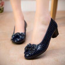 2016 Mode Lente Dikke Hakken Vrouwen Pompen Lederen Wiggen Werkschoenen Vrouw Hoge Hakken Toevallige Vrouwen Schoenen(China (Mainland))