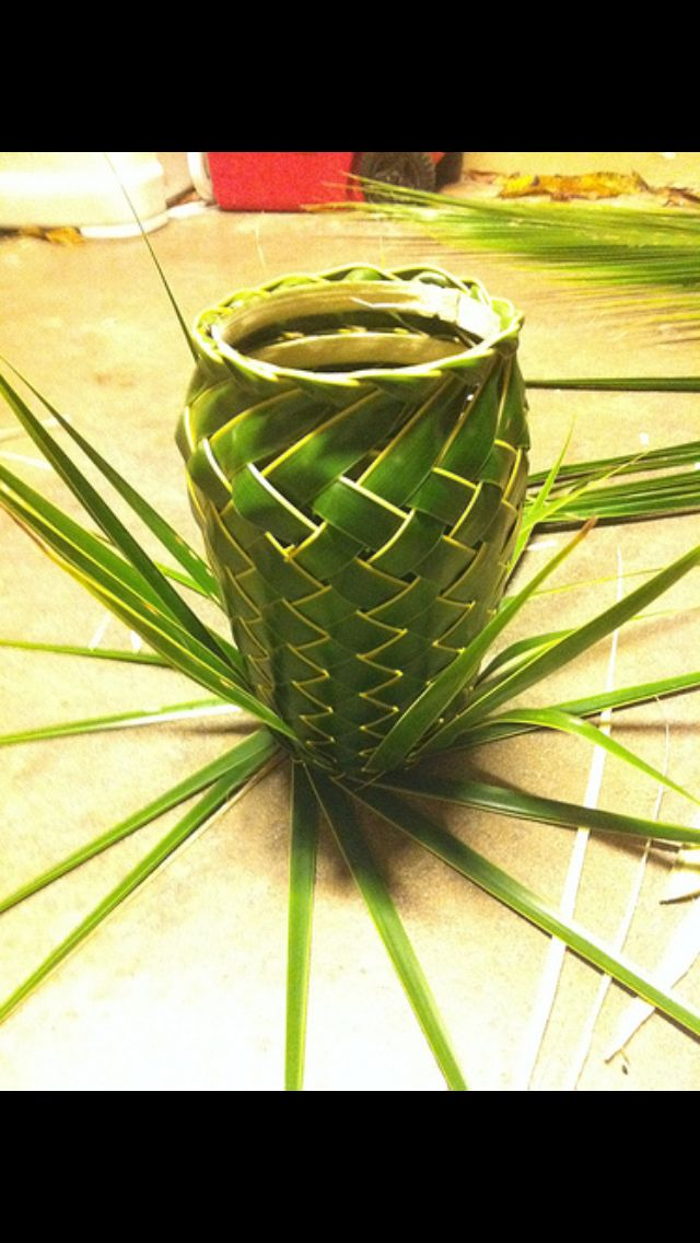 Basket Weaving With Leaves : Best images about weaving art palm frond pand leaf
