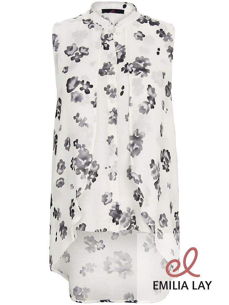 Wunderschöne feminine ärmellose Bluse von Emilia Lay!