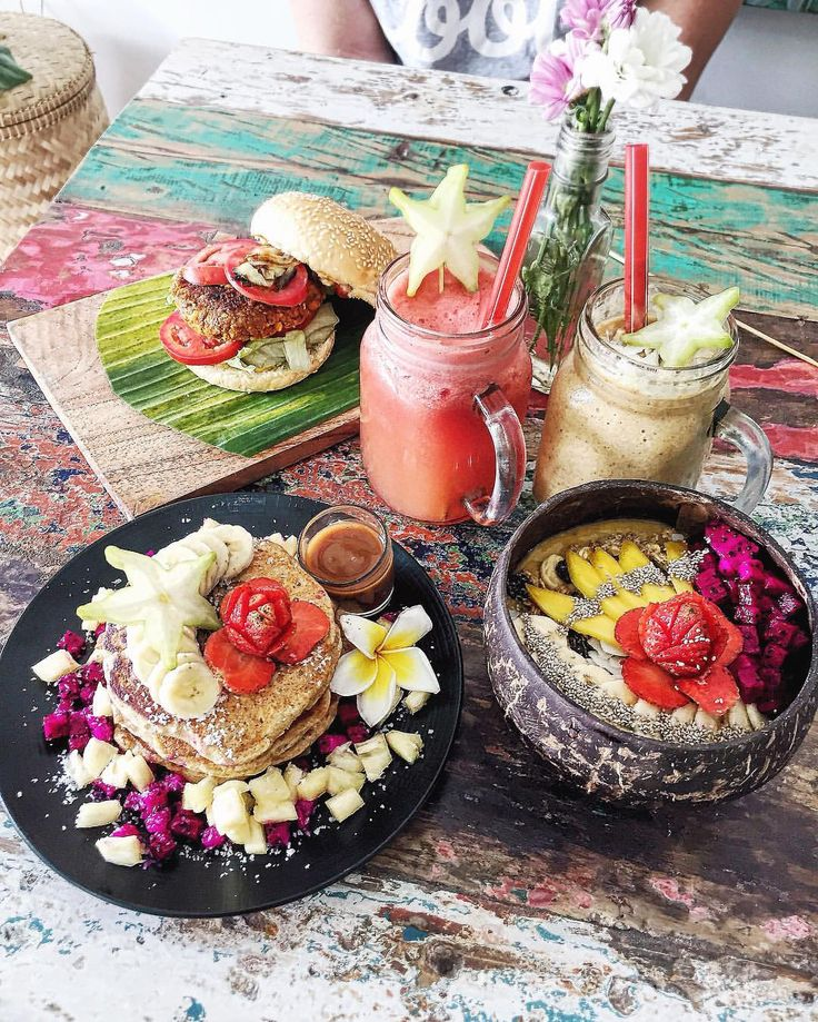 """naturallytess: """"Semi-wishing I was back in Bali this morning with this breakfast sitting before me ✨ """""""