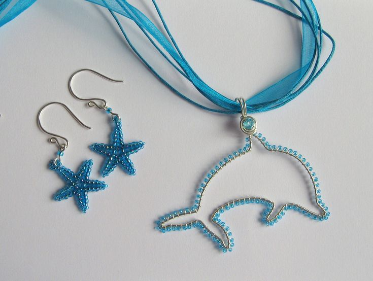 Ocean-themed set for a good friend of mine.  Sterling and fine silver wire and glass seed beads.  Starfish made using the excellent tutorial by Lynn Davy www.etsy.com/shop/nemeton