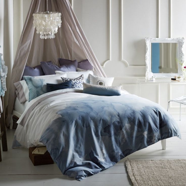 Dip-Dyed Decor : Dip-dyed decor and Summer were a match made in heaven in 2012. The organic, color-saturated look of dip-dyed pieces easily made a room light and airy. Best part? This trend is tailor-made for the DIY-inclined.