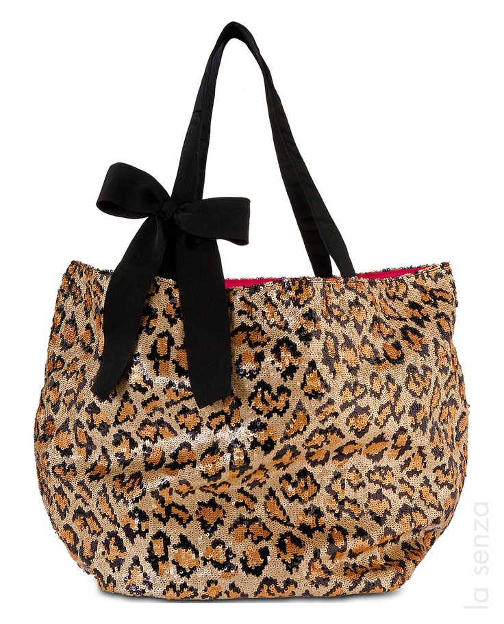 Mistle Tote #LaSenza #HolidayGifts