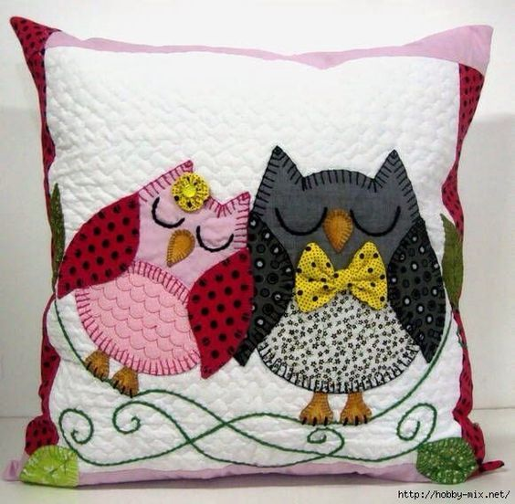 Owl Pillow: ~ pattern may be available if you go to website: http://hobby-mix.net/
