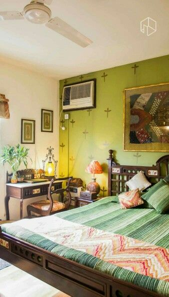 green Indian bedroom || @RaloTibetanRugs