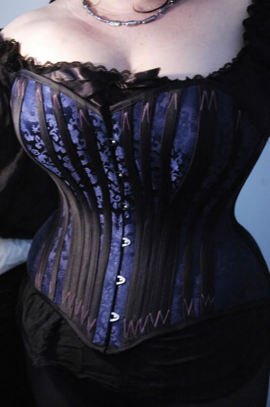 Companies that Carry Plus Size/ Full Figure Corsets listed at Lucy's Corsetry