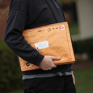"""Envelope"" laptop sleeve from ThinkGeek"