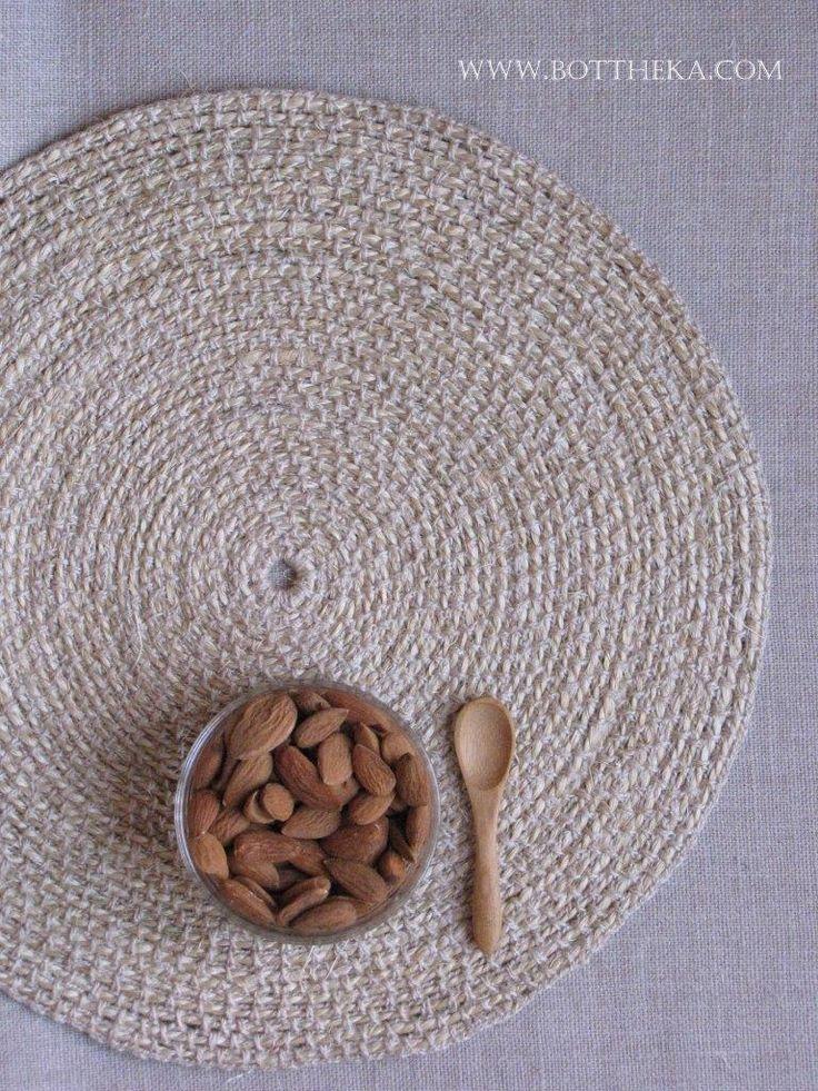 crochet, linen, hemp, yarn, placemat http://bottheka.com/en/concentric-placemat