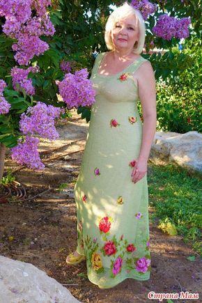 Девочки, я с обновой... вот такое вот мне придумалось и воплотилось... давно хотела сарафанчики на лето филейкой... и очень хотелось совместить всё это дело с вышивкой..