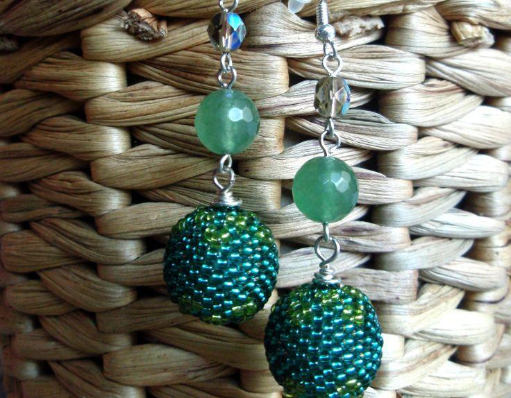 Boucles d'oreille Vert-émeraude Perles Tissées avec des Perles de Rocailles : Boucles d'oreille par tatsi-trendy-treasures