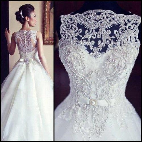 beautiful beaded lace backless vintage justin alexander wedding dress