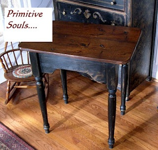 I love this little table find a table sand it down paint for Table th bottom