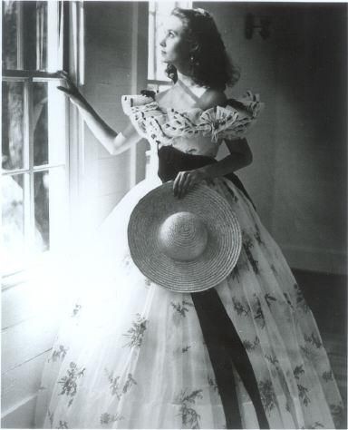 Prior to Selznick finding his Scarlett, Susan Grimes posed for advanced publicity shots.