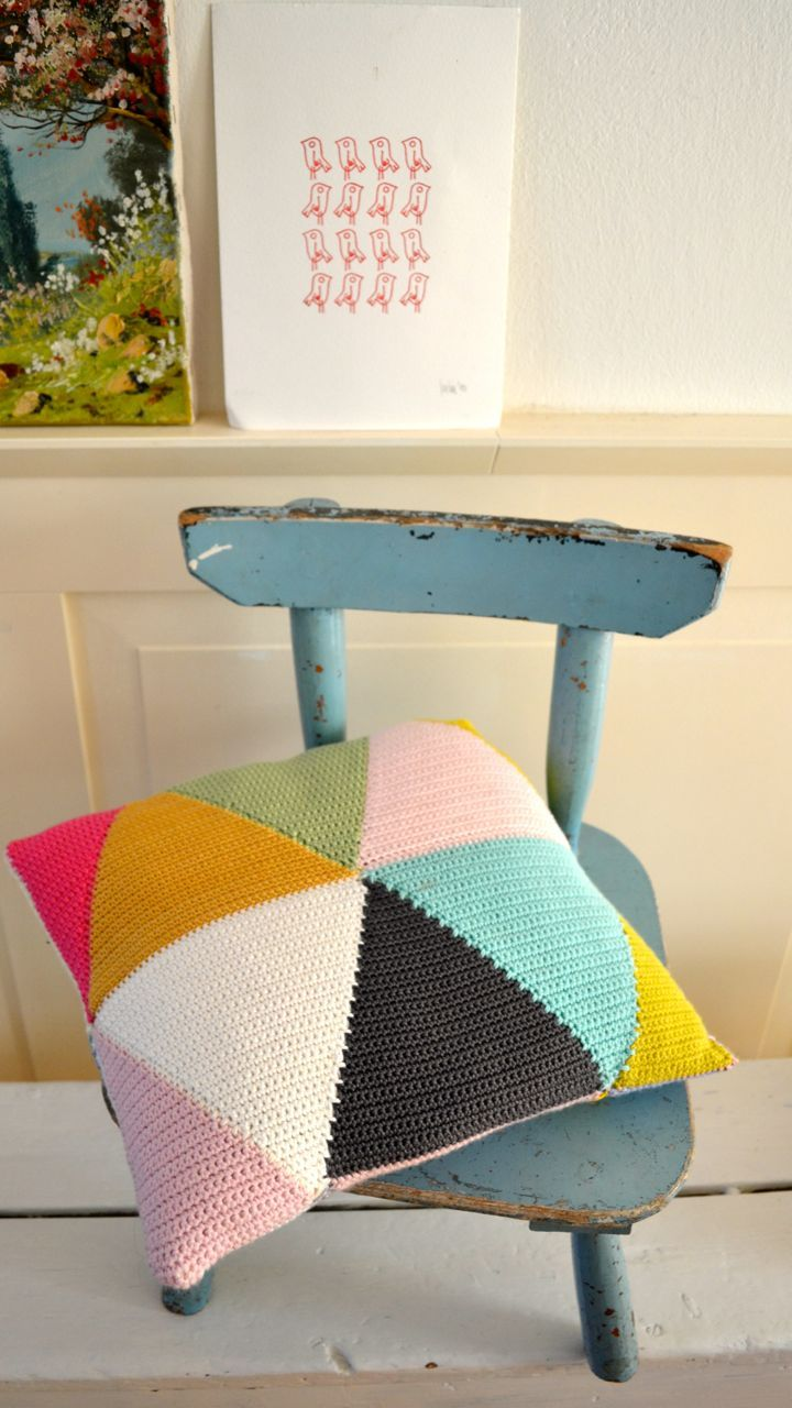DIY: triangle crochet pillow                                                                                                                                                     More