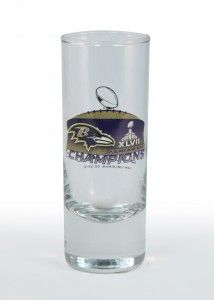 Use #digitalheattransfers to cheer on your favorite #sportsteam this season with amazing #glassdecoration! Vibrant images, ultimate team colors, and more! Who wouldn't raise a glass to that?   #heattransfer #sportsglass #ravens #redskins #teamspirit #backtoschool #shotglass