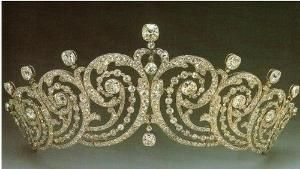 Good clear image of the Essex Tiara   Info: The tiara belonged to Adele, Countess of Essex. Clementine Churchill, wife of Winston Churchill borrowed from Cartier and wore it to Queen Elizabeth II's coronation. It was also worn by Princess Margarita of Romania when she married Radu.  Creator: Cartier   Stone(s): Diamond by Dittekarina