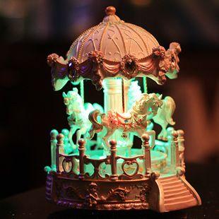 Doble movimiento, tallada, pabellón caja de música del carrusel, regalos de san valentín