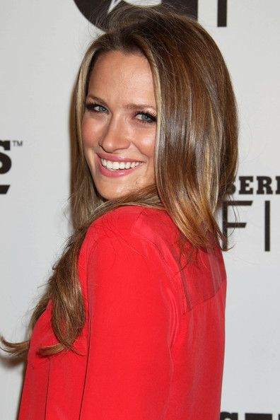 Shantel VanSanten - dark hair color