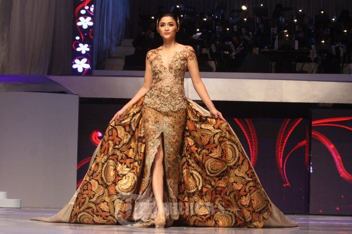 20140904_154424_fashion-show-anne-avantie-25-tahun-berkarya.jpg ...