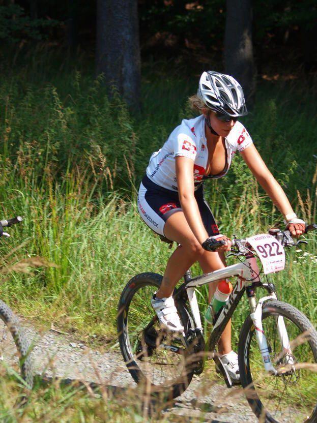 Female Mountain Bikers Best Female Downhill Mountain Biker Womens
