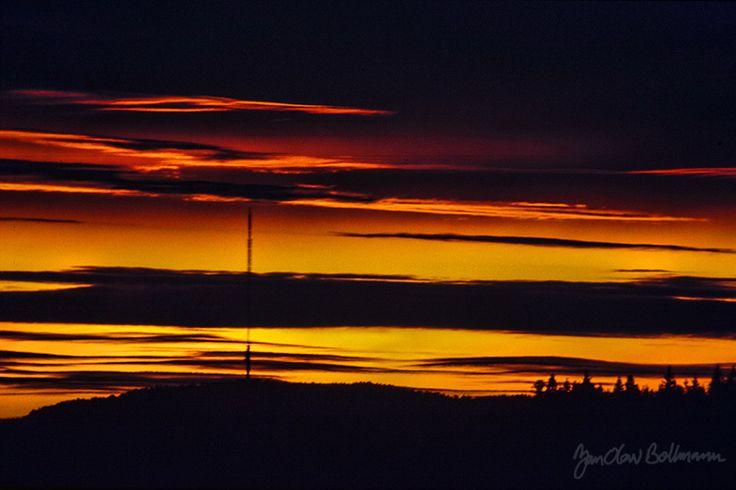 #Solnedgang fotogradert i 1987 med #dias #lysbildefilm #slides. #Sunset from 1981 on #positive #film.