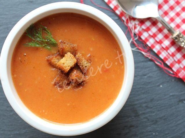Sarımsaklı Domates Çorbası...