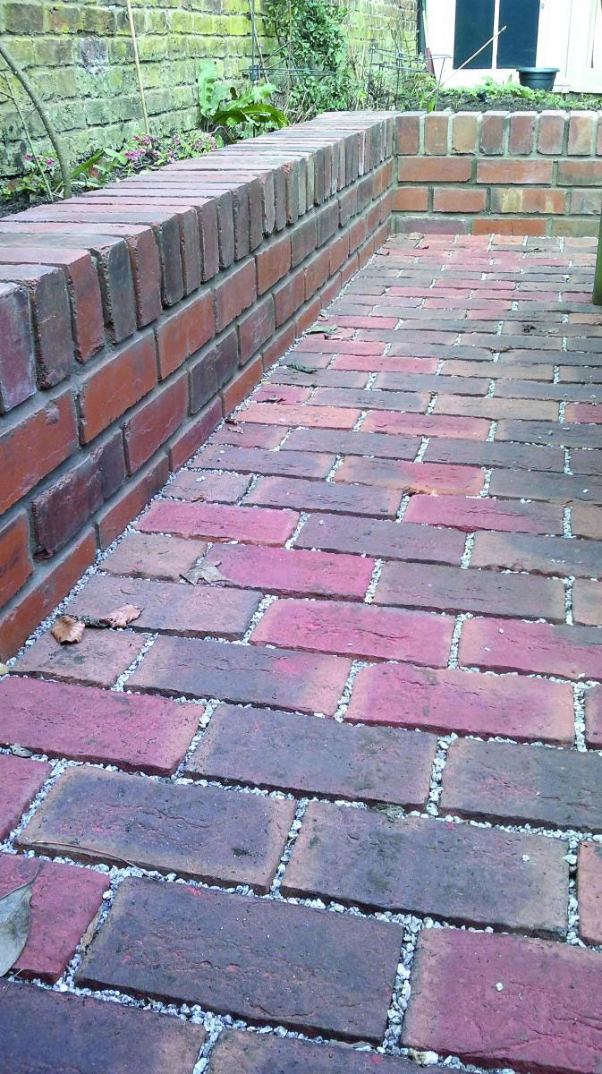 At TDS Paving & Landscaping we offer high-quality services for Driveways and Gardens, covering Weybridge, Chertsey and all surrounding towns!  Please take a look at our website for more information on our services - www.tdspaving.co.uk